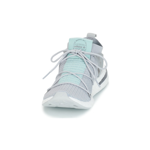 Chaussures Baskets Arkyn Basses Gris Adidas Femme Originals UMGqSVzp
