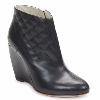 Rupert Sanderson Marque Boots  Glen