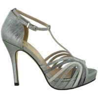 Chaussures Femme Sandales et Nu-pieds Menbur  Gris