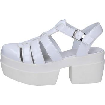 Chaussures Femme Sandales et Nu-pieds Cult sandales blanc cuir BT539 blanc