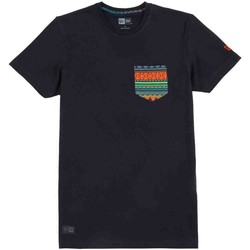 Vêtements Homme T-shirts manches courtes New-Era Native Pocket Tee Nera Noir