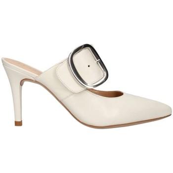 Chaussures Femme Sandales et Nu-pieds Unisa Teruel sabot Femme ivoire ivoire