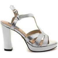 Chaussures Femme Sandales et Nu-pieds Chiller 19075 Argenté