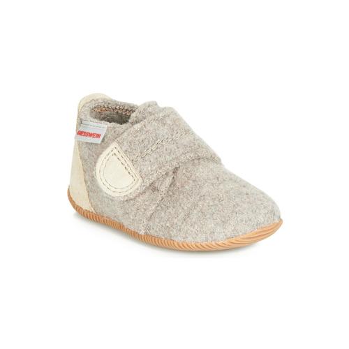 Chaussures Enfant Chaussons Giesswein OBERSTAUFFEN Beige