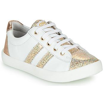 Chaussures Fille Baskets basses GBB MAPLUE Blanc / Doré