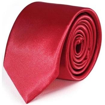 Vêtements Homme Cravates et accessoires Dandytouch Cravate Slim unie Rouge