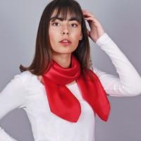 Accessoires textile Femme Echarpes / Etoles / Foulards Allée Du Foulard Carré de soie Premium Uni Rouge