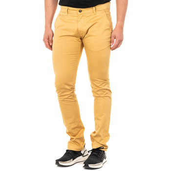 Vêtements Homme Chinos / Carrots La Martina Pantalon chino Jaune