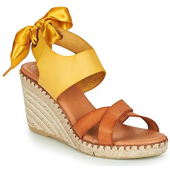 Chaussures Femme Sandales et Nu-pieds Pataugas FIONA Cognac / Jaune