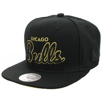 Casquettes Mitchell And Ness Casquette Snapback Chicago BULLS - Neon Script - Yellow