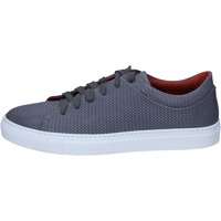 Chaussures Homme Baskets basses Triver Flight sneakers cuir gris
