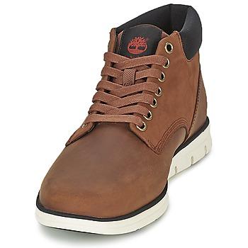 timberland bradstreet chukka leather marron livraison gratuite avec chaussures. Black Bedroom Furniture Sets. Home Design Ideas