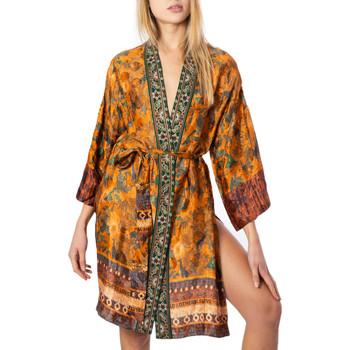 Vêtements Femme Gilets / Cardigans Desigual 20SWEW54 jaune