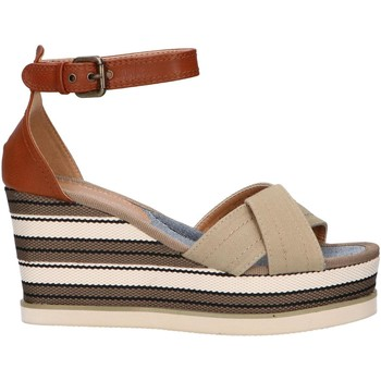 Chaussures Femme Sandales et Nu-pieds Chika 10 NILA 02 Beige