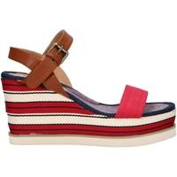 Chaussures Femme Sandales et Nu-pieds Chika 10 NILA 03 Rojo