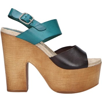 Chaussures Femme Sandales et Nu-pieds Chika 10 RUSIA 04 Marr?n