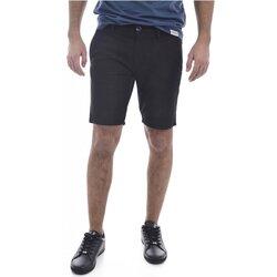 Vêtements Homme Shorts / Bermudas Guess M02D05 WCRK1 Daniel Noir