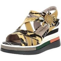Chaussures Femme Sandales et Nu-pieds Laura Vita dacddyo 03 jaune