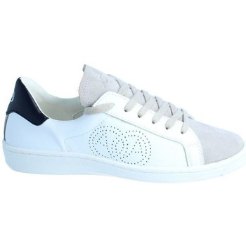 Chaussures Baskets mode Amoa Sneackers LORENA à lacets BLANC/GRIS