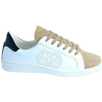 Chaussures Baskets mode Amoa Sneackers Lorena à lacets BLANC/MARRON