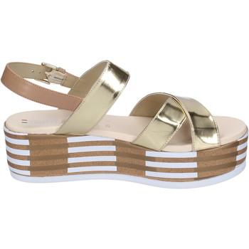 Chaussures Femme Sandales et Nu-pieds Tredy's sandales cuir synthétique platine