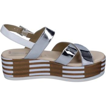 Chaussures Femme Sandales et Nu-pieds Tredy's sandales cuir synthétique argenté
