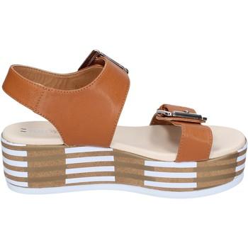 Chaussures Femme Sandales et Nu-pieds Tredy's sandales cuir synthétique marron