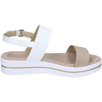 Chaussures Femme Sandales et Nu-pieds Tredy's sandales cuir synthétique beige
