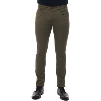 Vêtements Homme Chinos / Carrots Fay NTM8240180T-GURV616 verde