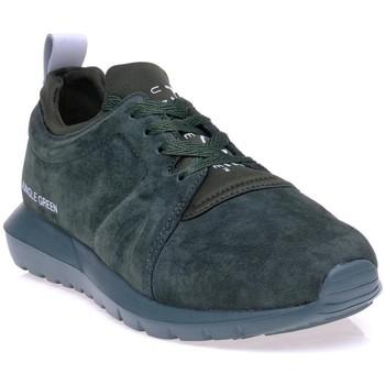 Chaussures Homme Baskets basses Pantone 8019103 Vert