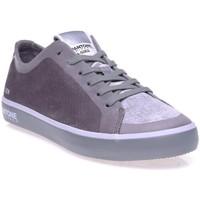 Chaussures Femme Baskets basses Pantone 8018603 Gris