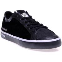 Chaussures Femme Baskets basses Pantone 8018604 Noir