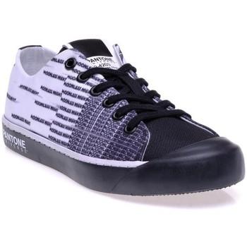 Chaussures Femme Baskets basses Pantone 8018801 Noir