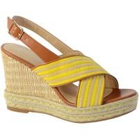 Chaussures Femme Sandales et Nu-pieds The Divine Factory Sandale Compensee Jaune