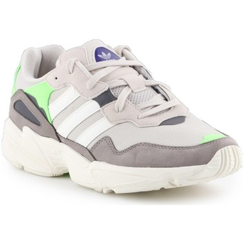 Chaussures Homme Baskets basses adidas Originals YUNG96 Gris, Beige