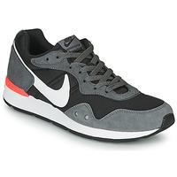 Chaussures Homme Baskets basses Nike VENTURE RUNNER Noir / Gris / Blanc