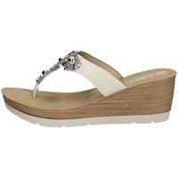 Chaussures Femme Tongs Inblu EL 10 Blanc