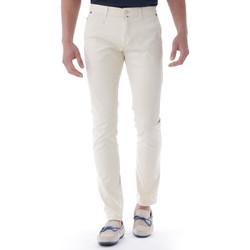 Vêtements Homme Chinos / Carrots Shilton Pantalon Chino Crinkles Beige