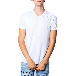 Vêtements Homme T-shirts manches courtes Brian Brome 23/102-398 Blanc