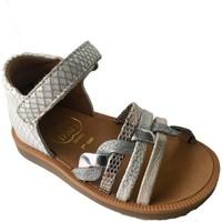 Chaussures Fille Sandales et Nu-pieds Pom d'Api poppy tresse blanc