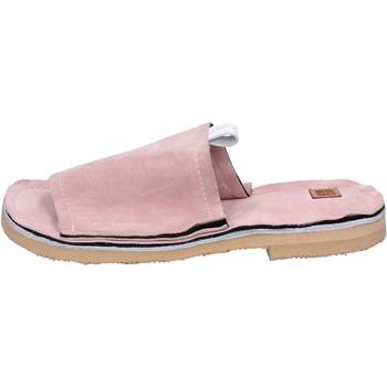 Chaussures Femme Mules Moma sandales daim rose