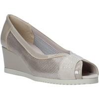 Chaussures Femme Sandales et Nu-pieds Comart 023353 Beige