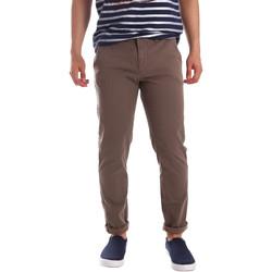 Vêtements Homme Chinos / Carrots Gaudi 71FU25005 Marron