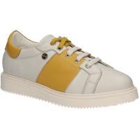 Chaussures Femme Baskets basses Keys 5063 Blanc