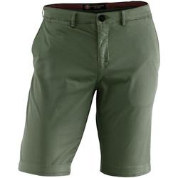 Vêtements Homme Shorts / Bermudas Lumberjack CM80647 002 602 Vert