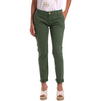 Vêtements Femme Chinos / Carrots Gaudi 811BD25009 Vert