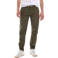Vêtements Homme Chinos / Carrots Sseinse PSE612SS Vert