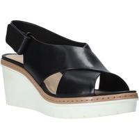Chaussures Femme Sandales et Nu-pieds Clarks 26141167 Noir