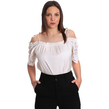 Vêtements Femme Tops / Blouses Gaudi 811FD45011 Beige