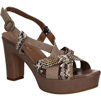 Chaussures Femme Sandales et Nu-pieds Mally 5832 Marron